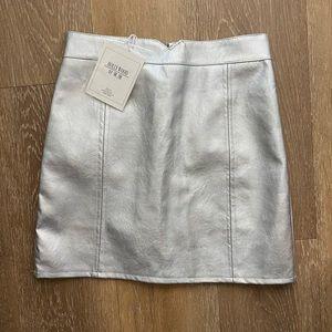 Metallic silver skirt with skort lining NWT